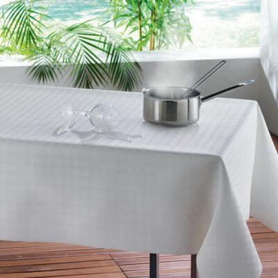 Nappe - Protège table- Rectangle - 140 x 190 cm - Blanc